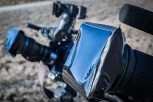 Kolminkertaiset ND -kalvot kameroiden nokilla.